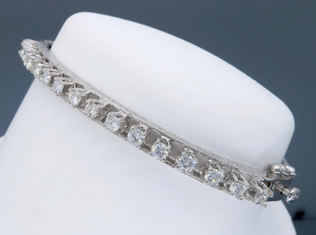 14KT White Gold 1.10ctw Diamond Bracelet - 3