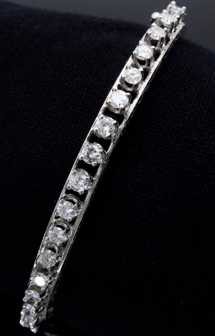 14KT White Gold 1.10ctw Diamond Bracelet - 9