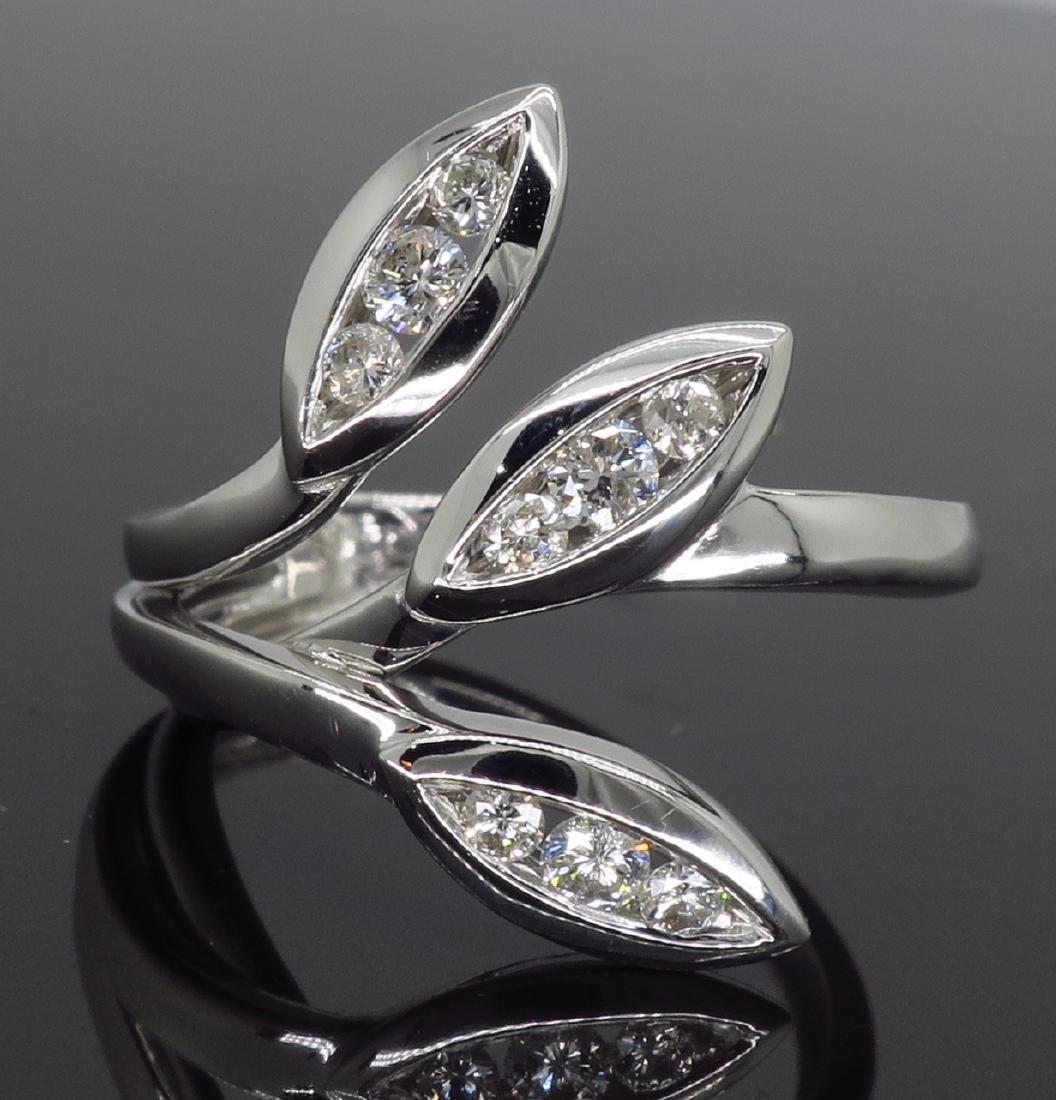 18KT White Gold 0.31ctw Diamond Ring - 2