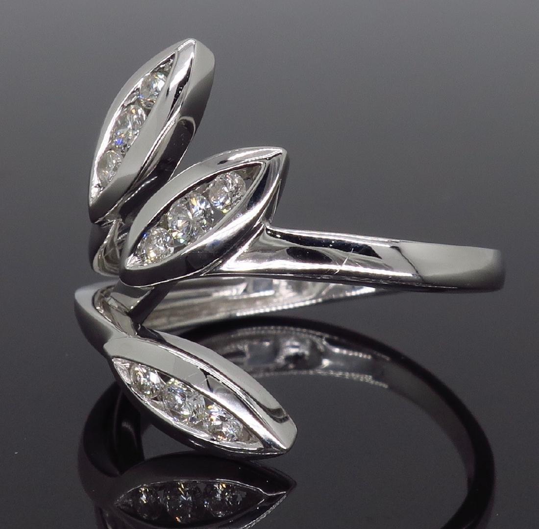 18KT White Gold 0.31ctw Diamond Ring - 3