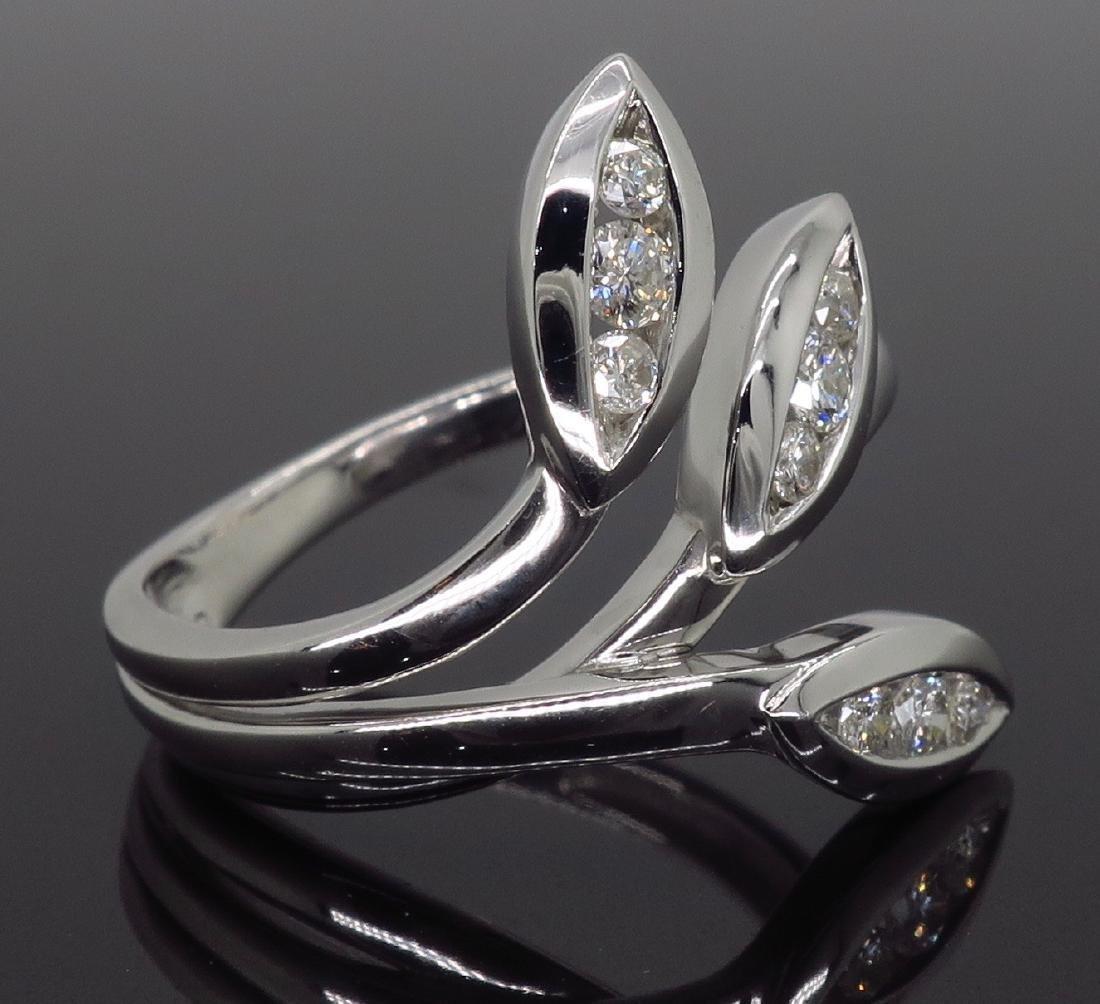 18KT White Gold 0.31ctw Diamond Ring - 4