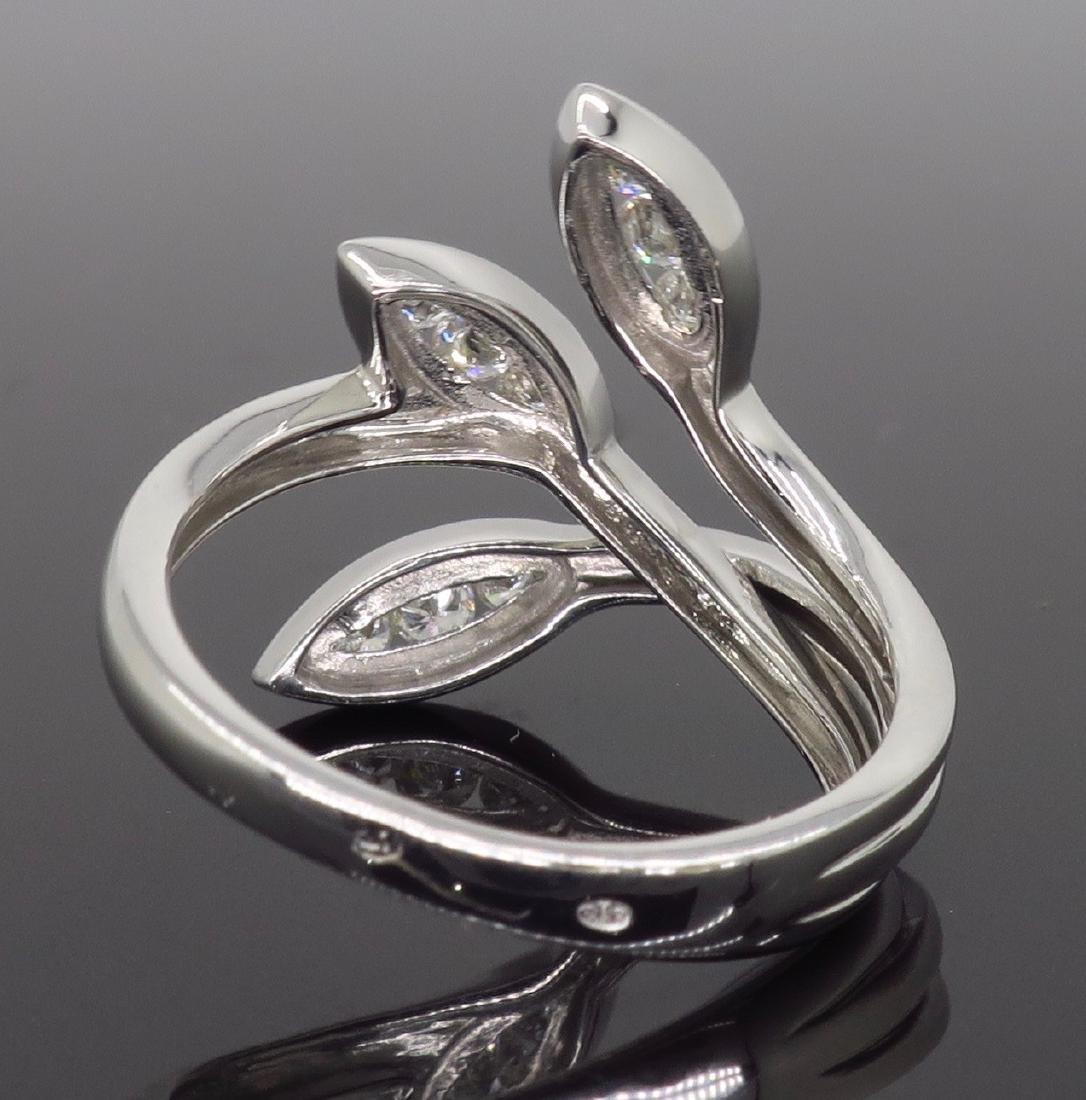18KT White Gold 0.31ctw Diamond Ring - 5
