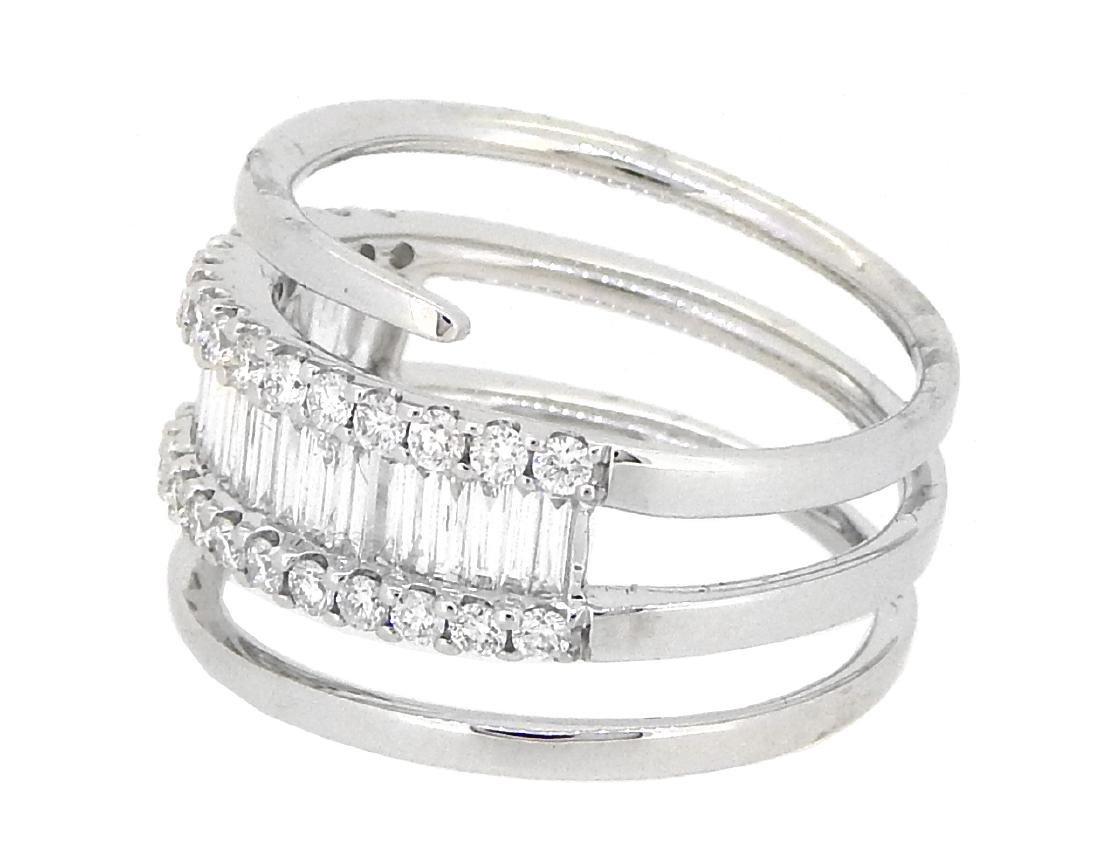 18KT White Gold 1.01ctw Diamond Ring - 2