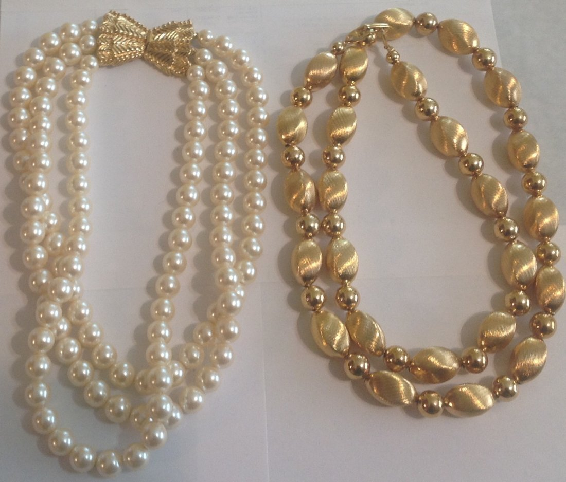 estate vintage bead necklace assorted jewelry