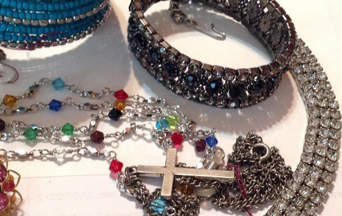 Estate vintage lot of jewelry (R) - 3