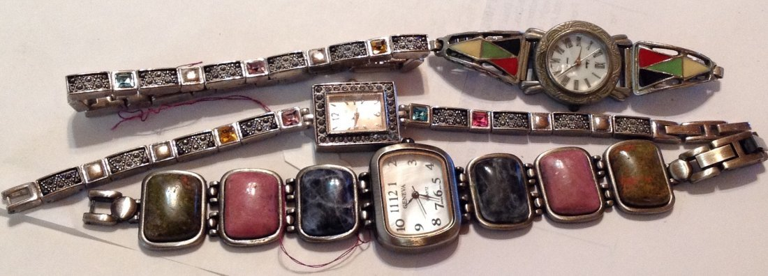 Estate vintage lot of assorted wristwatches  (R)