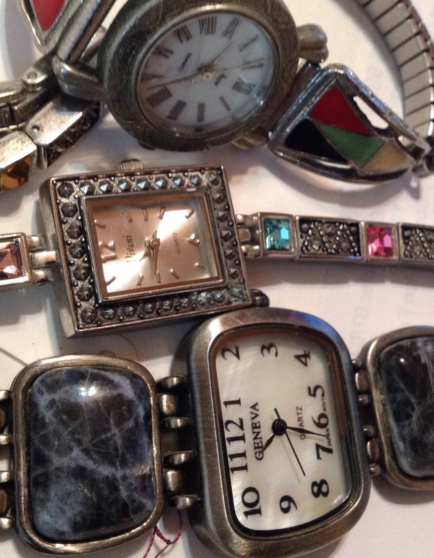 Estate vintage lot of assorted wristwatches  (R) - 2
