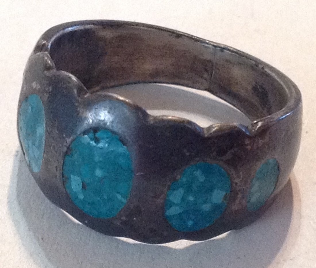 Estate old sterling silver crushed turquoise ring  (R)