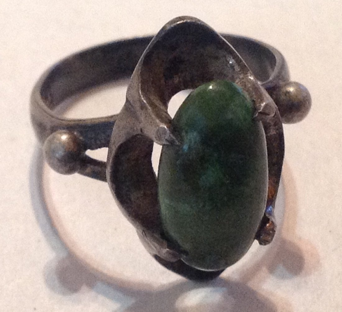 Estate old native sterling cerillos turquoise ring  (R)
