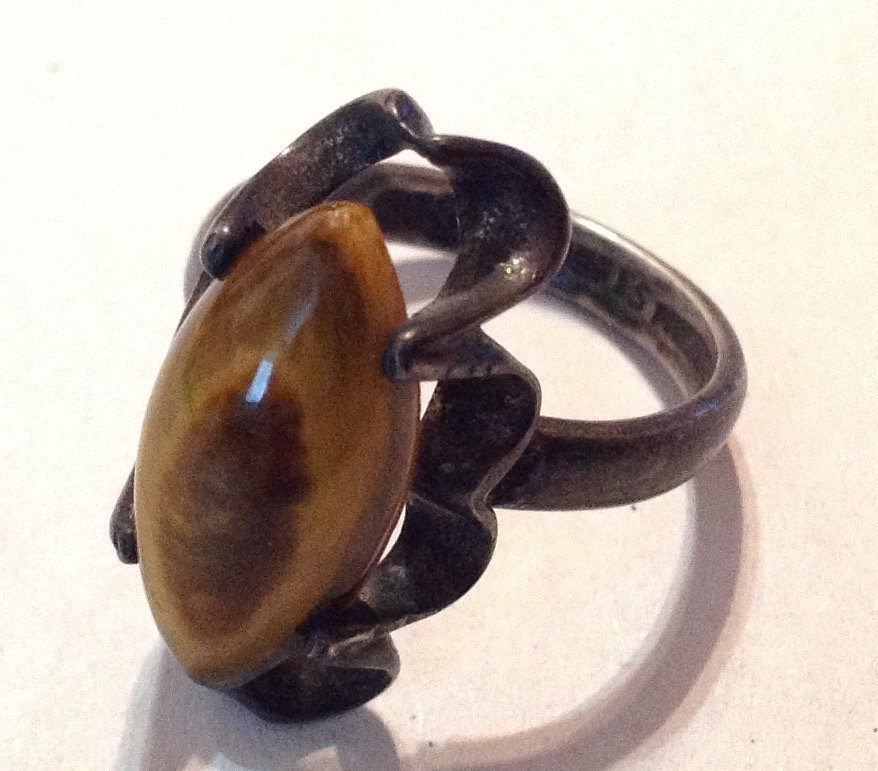 Estate old native sterling brown stone ring  (R)