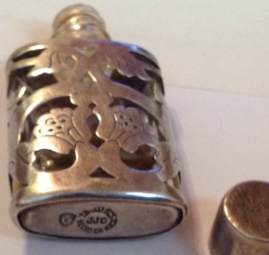 Estate old Sterling Mexico scrolled perfume bottle - 3