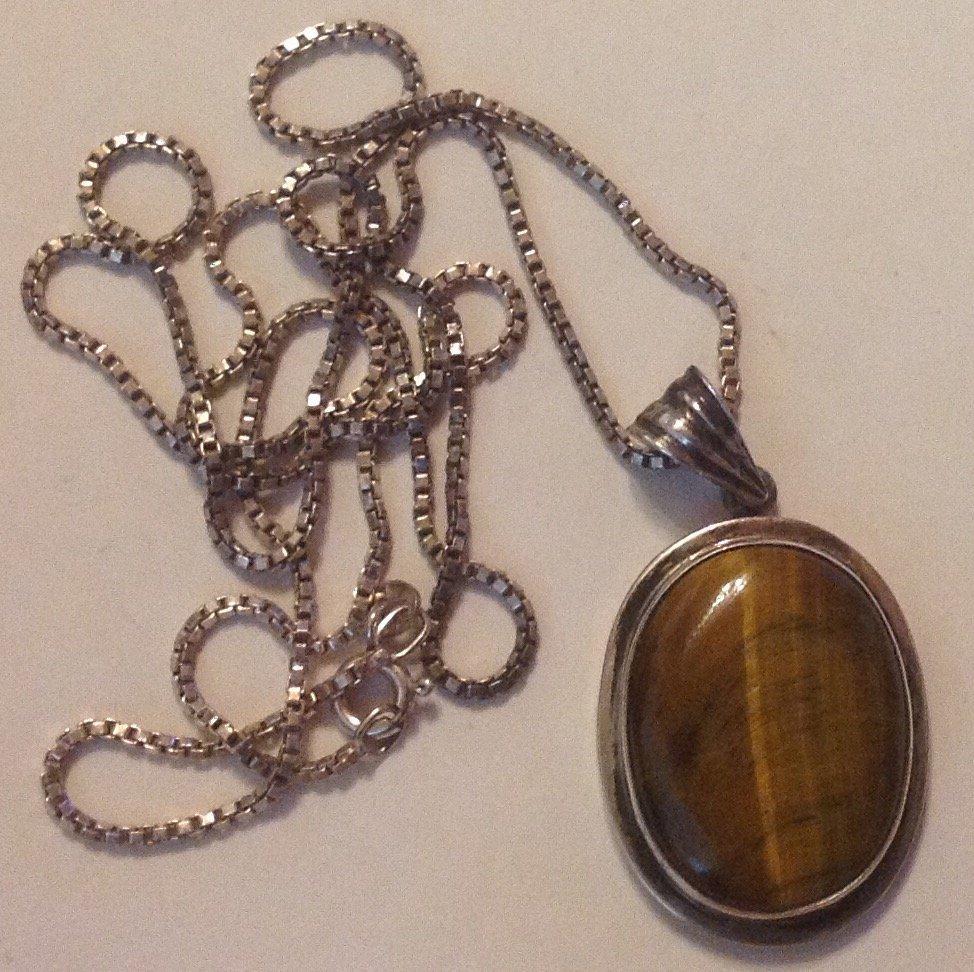 Estate Vintage sterling Tiger eye pendant necklace