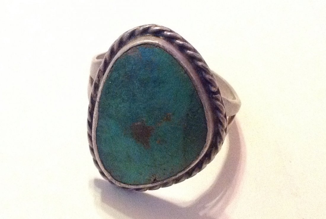 Estate old pawn native sterling turquoise ring