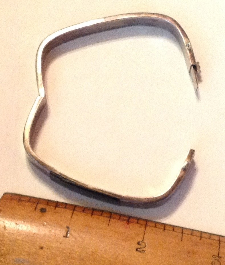 estate old sterling Onyx hinged bracelet - 2