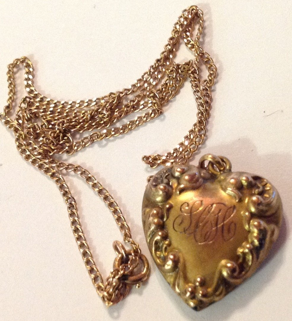 Estate old 10k gold repousse diamond heart necklace - 2