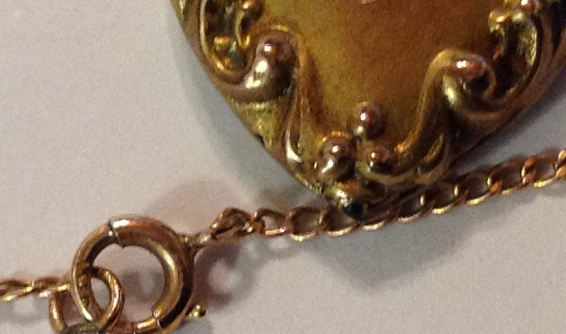 Estate old 10k gold repousse diamond heart necklace - 3