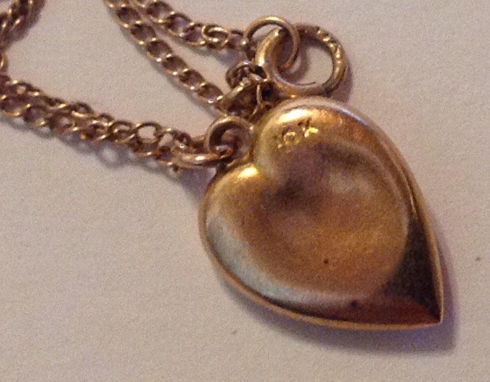 Estate vintage 10k gold heart child pendant necklace - 3