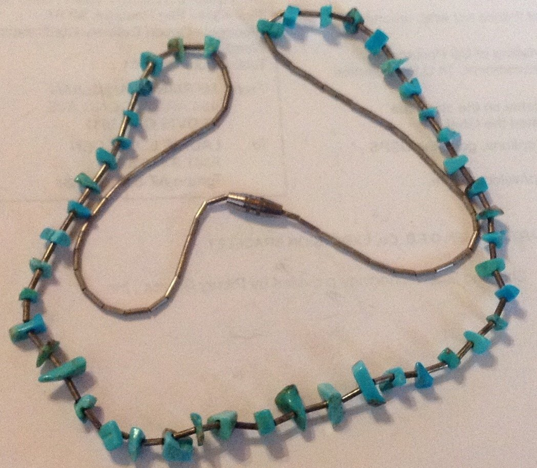 Estate vinage native mini turquoise nuggets necklace