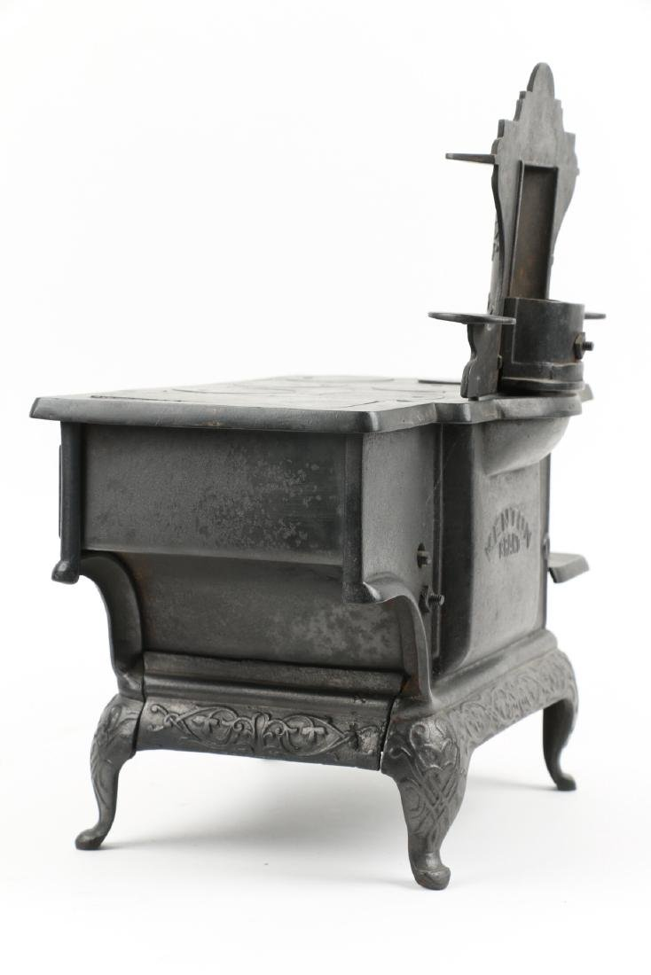 Working Miniature Cast Iron Stove - 10