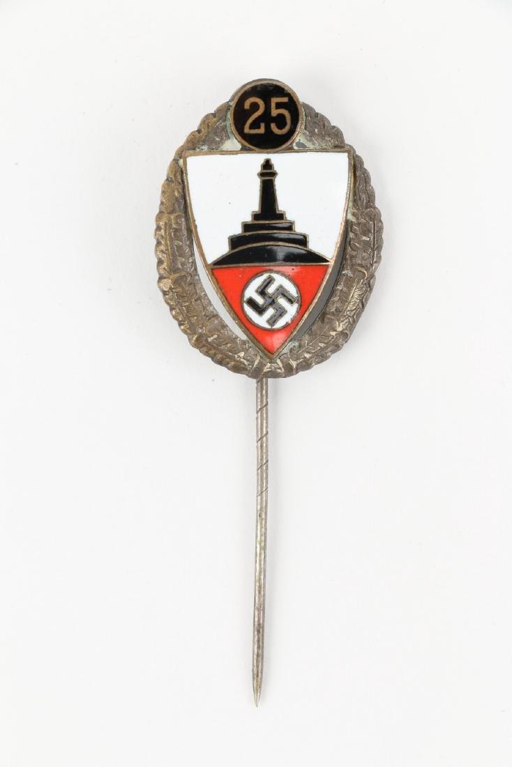 German WWII War Badges & Photograph - 8