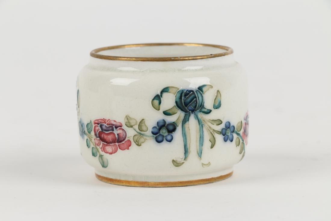 Macintyre, Burslem & Moorcroft Pottery - 7