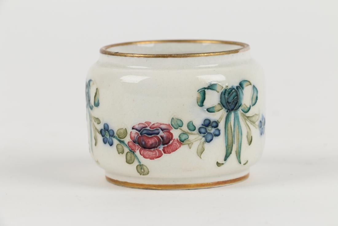 Macintyre, Burslem & Moorcroft Pottery - 8