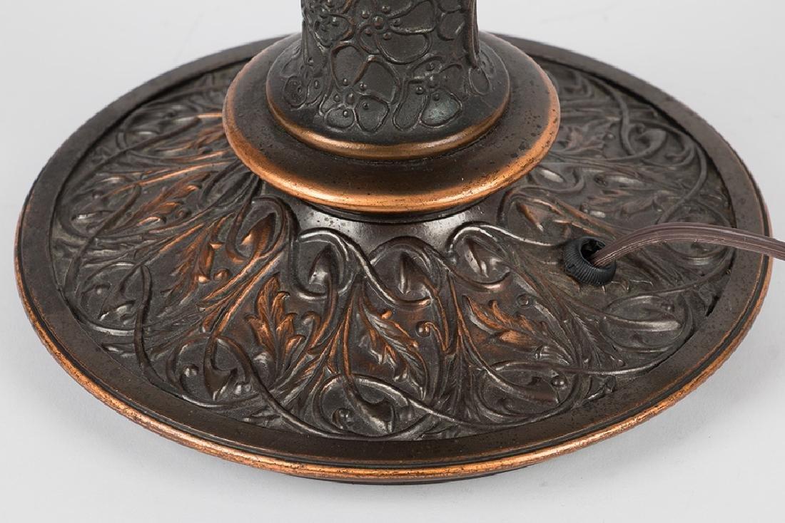Parrot Motif Table Lamp - 9