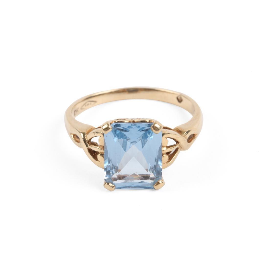 A 10k Gold & Aquamarine Ring