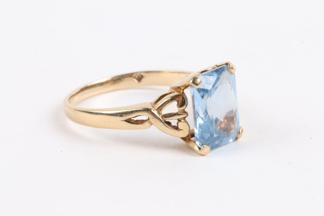 A 10k Gold & Aquamarine Ring - 2