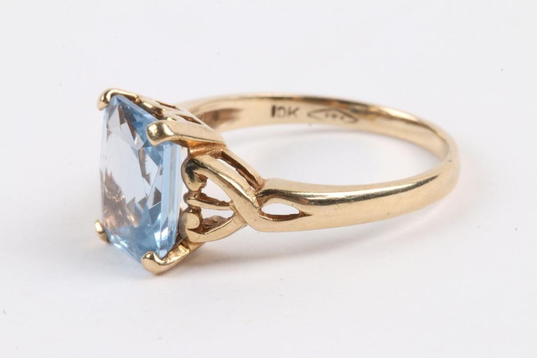 A 10k Gold & Aquamarine Ring - 3