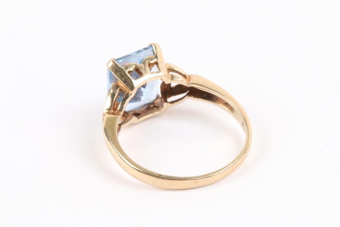 A 10k Gold & Aquamarine Ring - 5