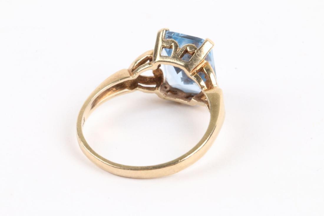 A 10k Gold & Aquamarine Ring - 6