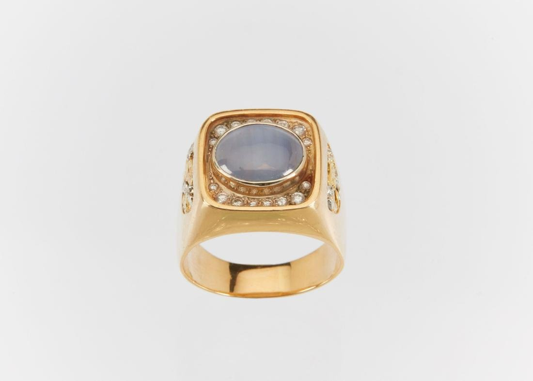 A Gent's 18k Gold, Diamond & Star Sapphire Ring - 4