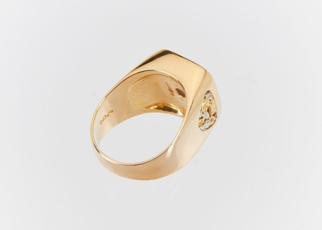 A Gent's 18k Gold, Diamond & Star Sapphire Ring - 7