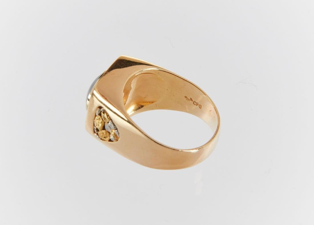 A Gent's 18k Gold, Diamond & Star Sapphire Ring - 8