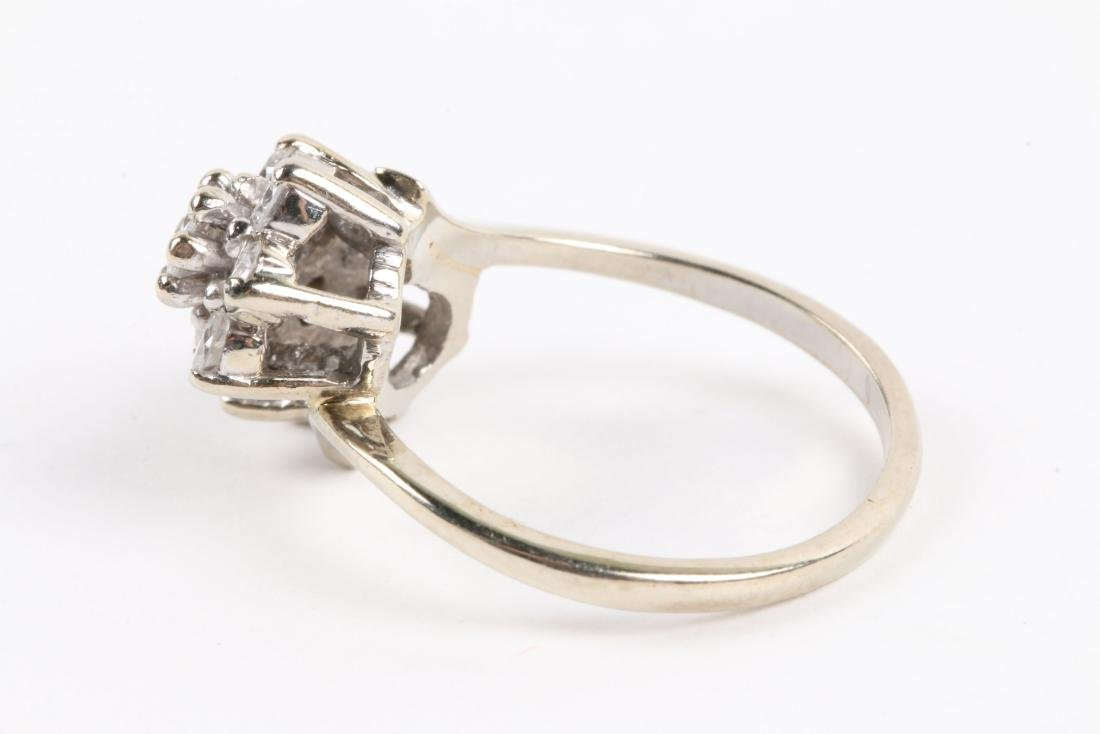 A 14k Gold & Diamond Cluster Ring - 4