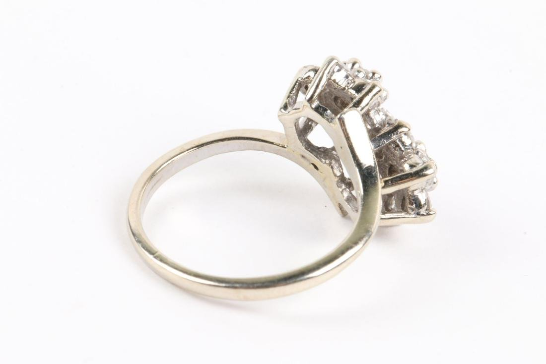 A 14k Gold & Diamond Cluster Ring - 5