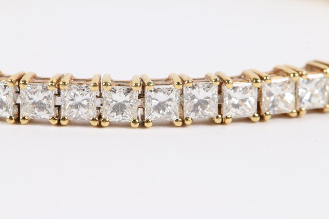 An 18K Gold, Diamond Bracelet - 2