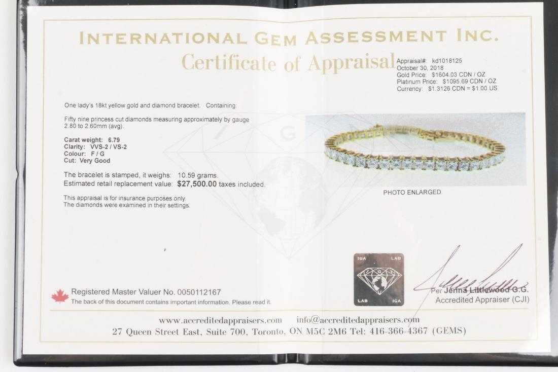 An 18K Gold, Diamond Bracelet - 6