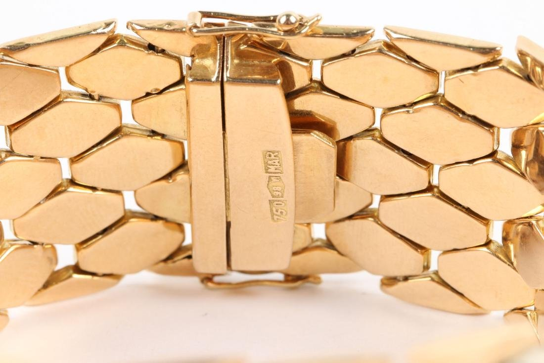 An 18K Yellow and White Gold Bracelet - 3