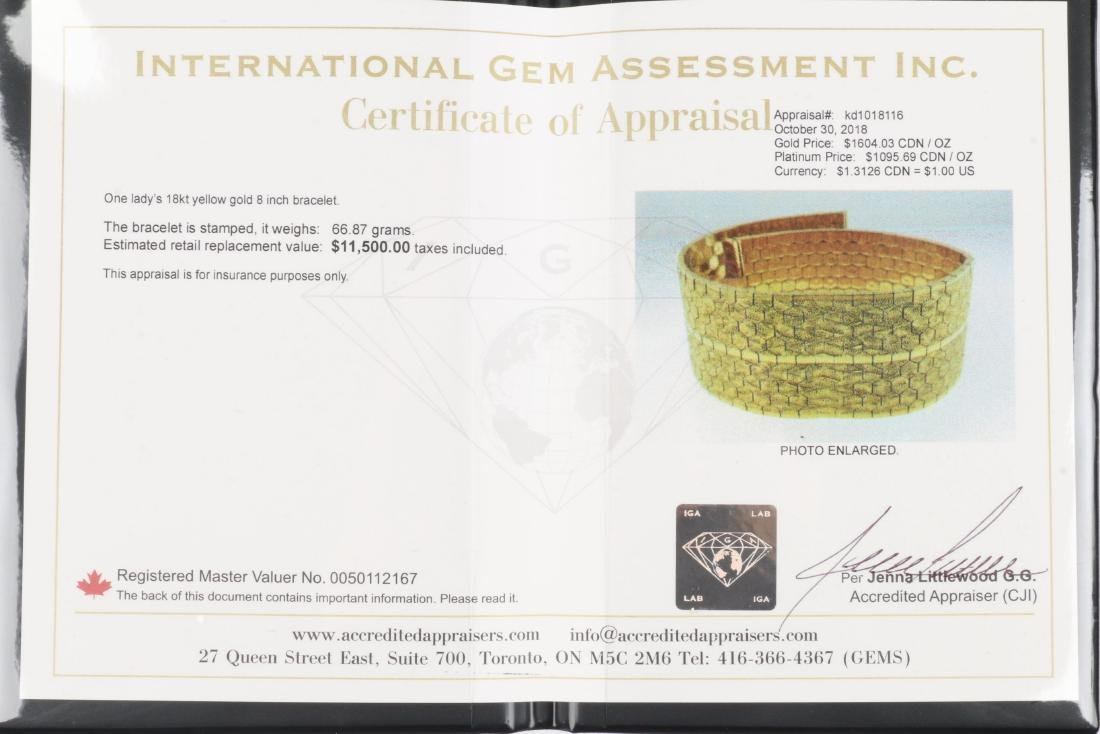An 18K Yellow Gold Bracelet - 8