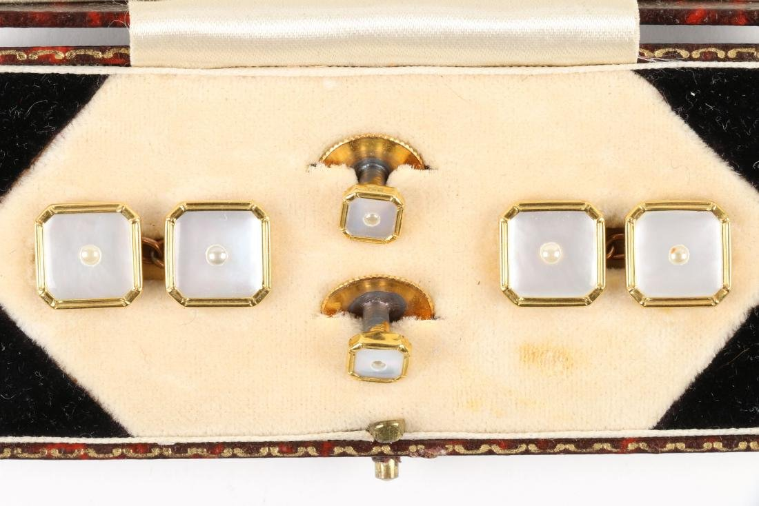 A British 9K Gold & Mother-of-Pearl Cufflinks Set - 2