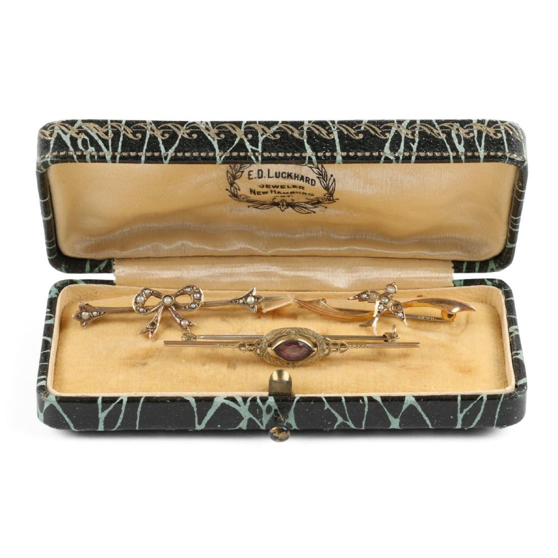 A Pair 9K-10K, Amethyst & Pearl Tie Pins