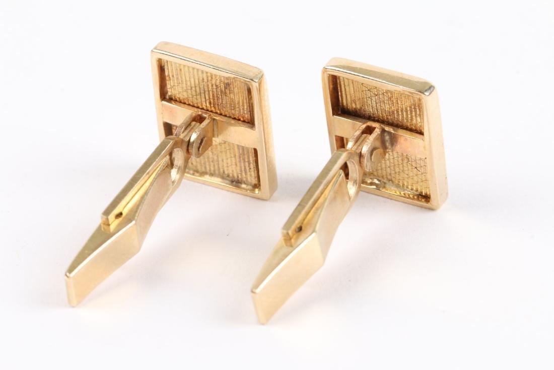 2 Pairs, 10K-15K Gold Cufflinks - 5