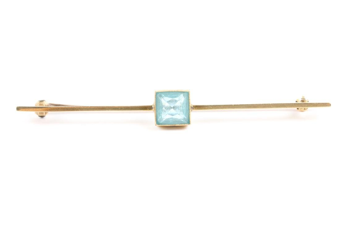 An Edwardian 10K Gold & Aquamarine Bar Pin - 4