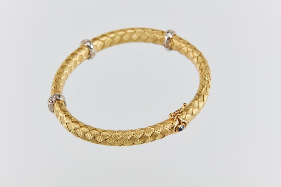 A Roberto Coin 18K Woven Bracelet & Earrings Set - 3