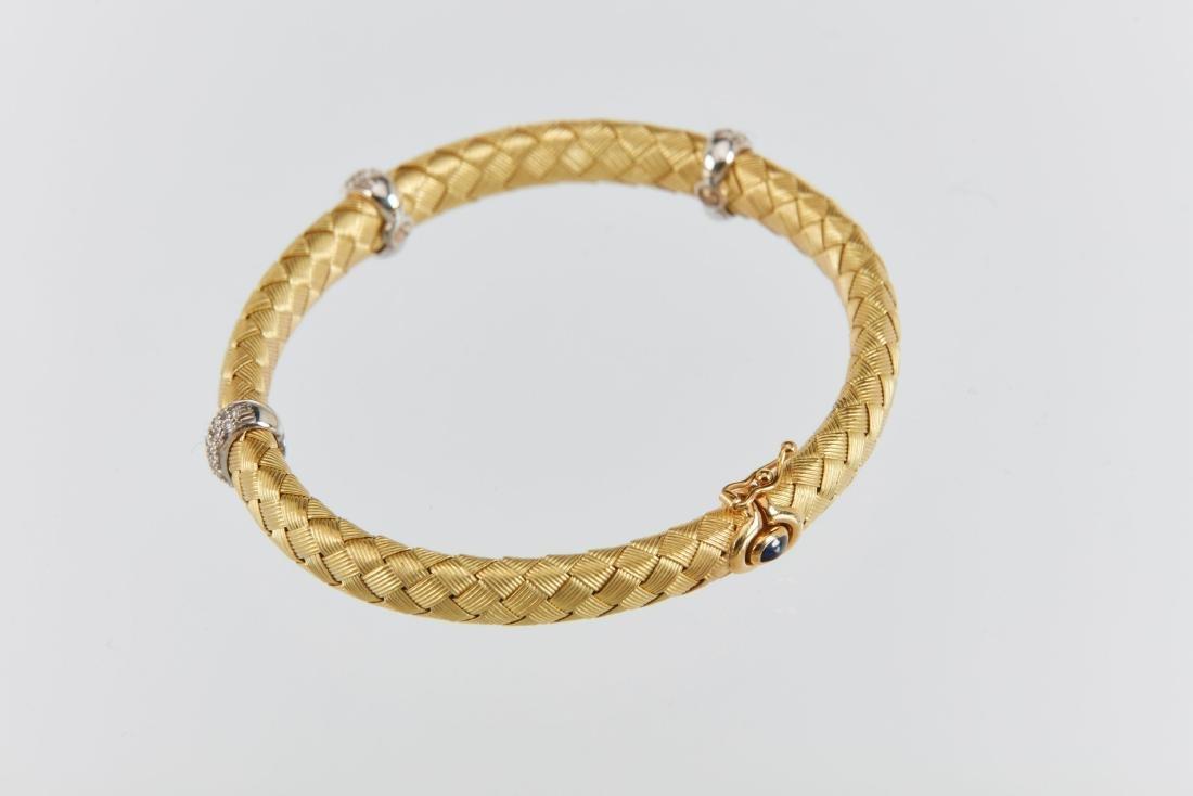 A Roberto Coin 18K Woven Bracelet & Earrings Set - 5