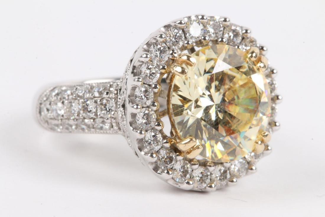 An 18K Gold, Diamond & Cubic Zirconia Ring - 2