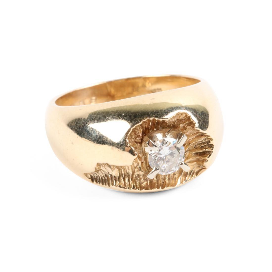 A 10-14k Gold & Diamond Ring