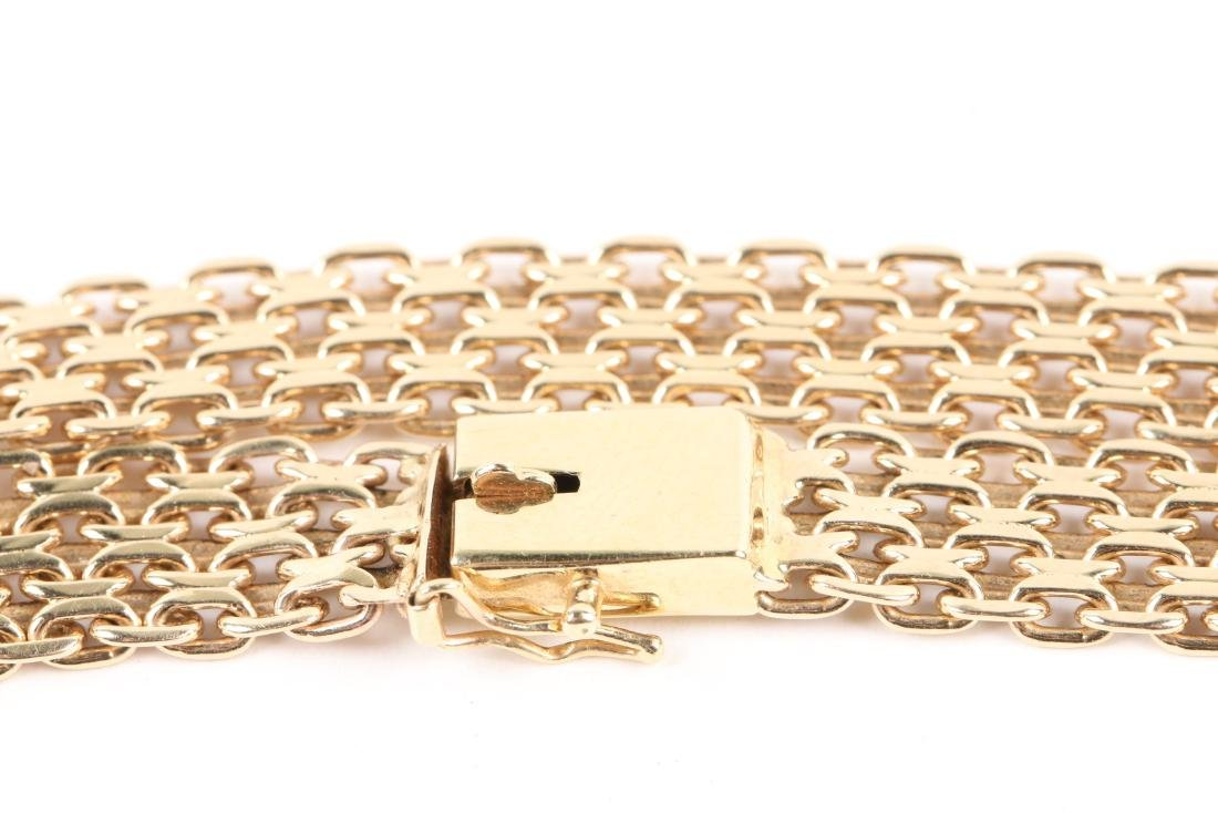 A 14K Yellow Gold Choker Necklace - 3